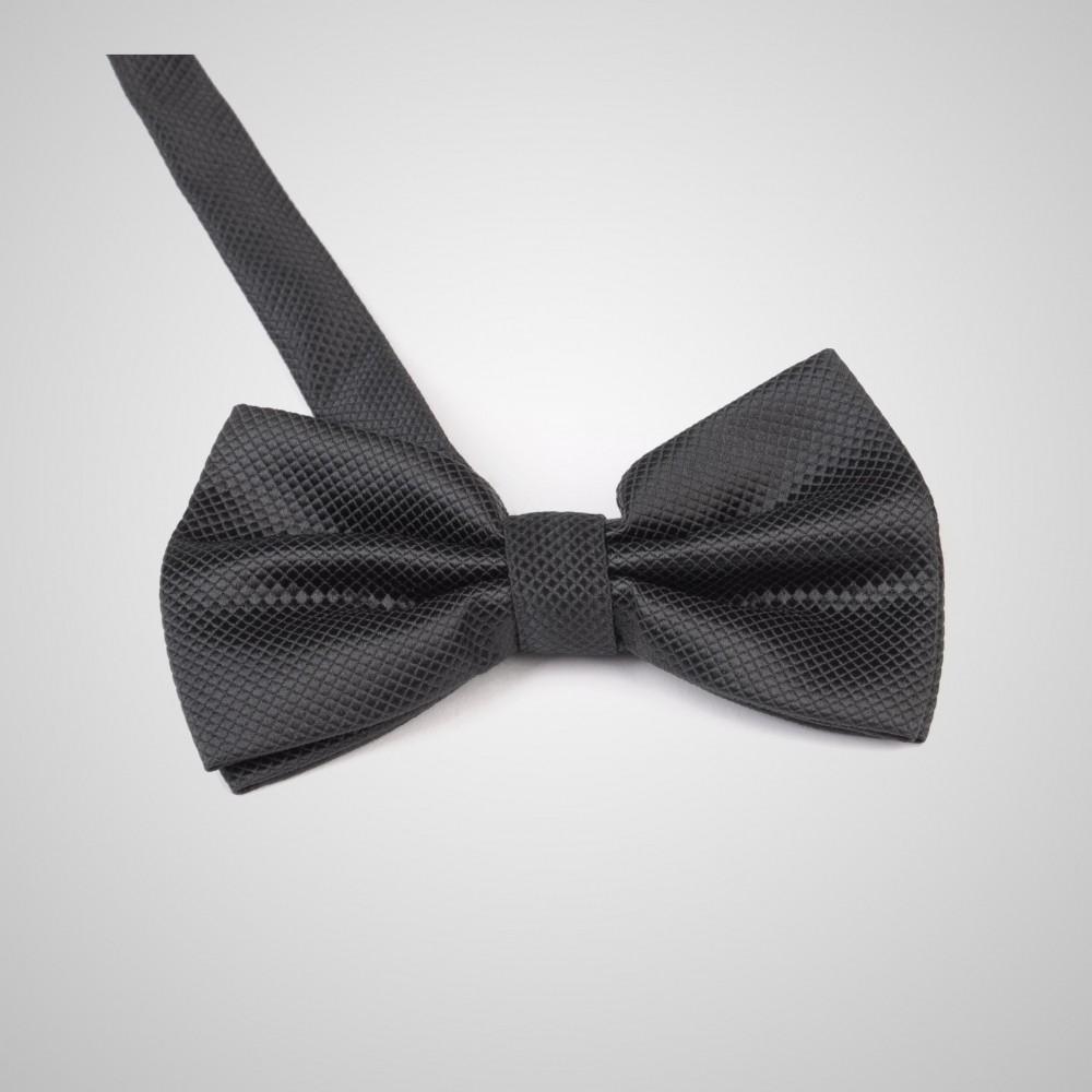 le classique noeud papillon noir en soie pour vous distinguer. Black Bedroom Furniture Sets. Home Design Ideas