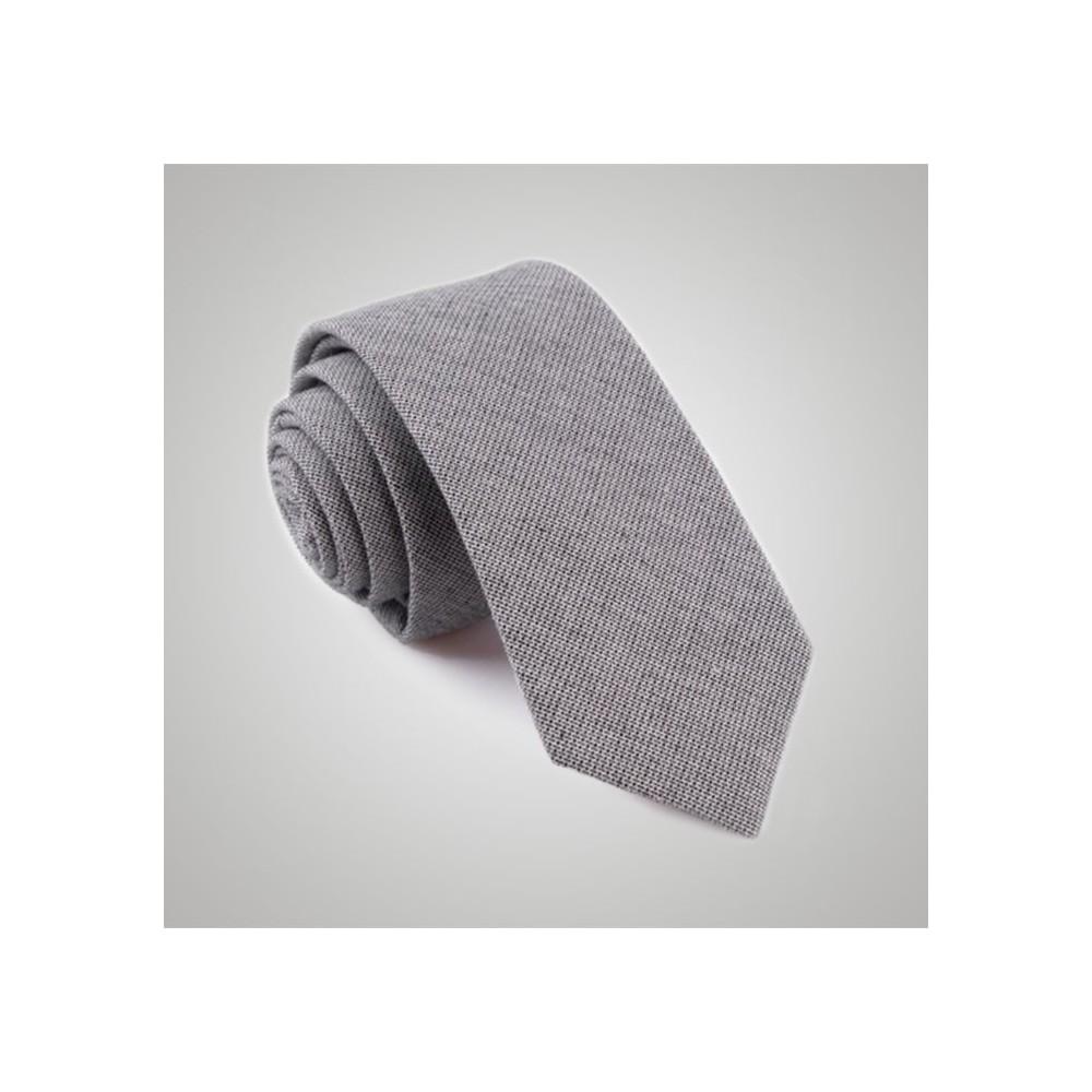 Nos cravates jean grise à porter avec votre costume sur mesure ac97ba3289f